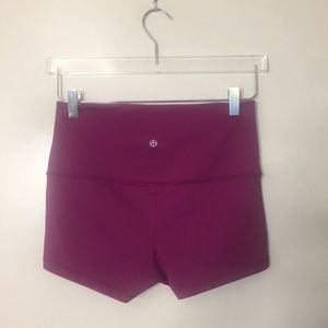Lululemon bootie Roll Down Shorts. Size 8